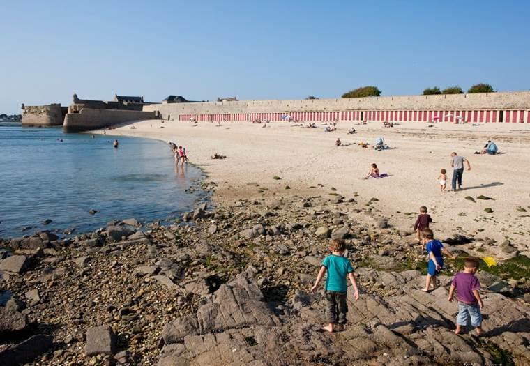 Grande-Plage-Port-Louis-Lorient-Morbihan-Bretagne-sud ©